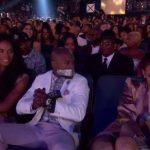 Floyd Mayweather versus Rihanna