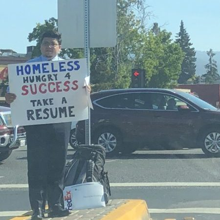 Homeless Man Gives Out Resumes Instead of Begging for Money, Receives Hundreds of Job Offers